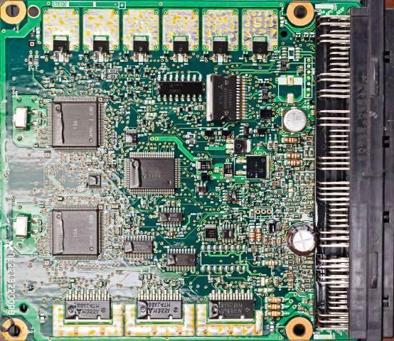 Centralita Electrónica Componentes